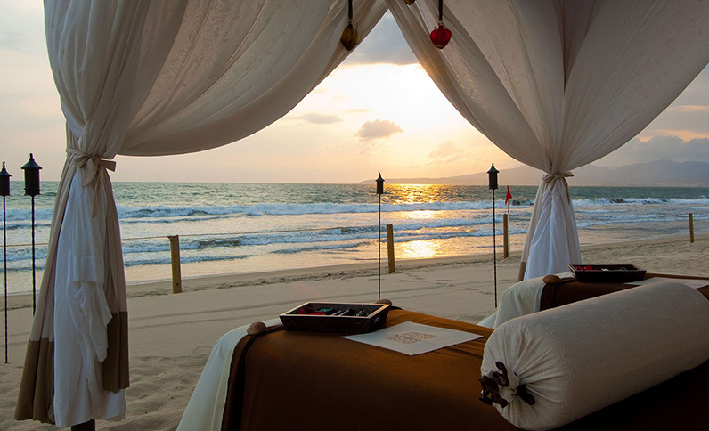 SE SPA at Grand Velas Riviera Nayarit - Massage on the Beach