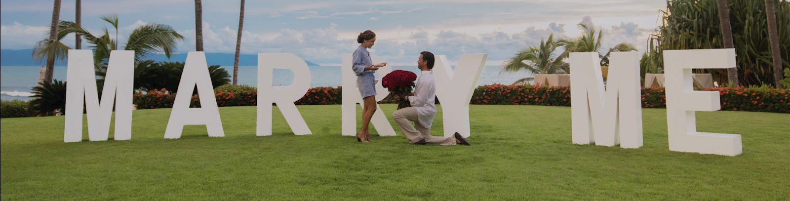 Proposal with toast experience - Grand Velas Riviera Nayarit