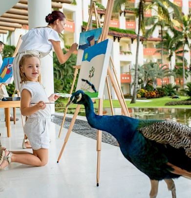 Art on Canvase experience in grand velas riviera nayarit